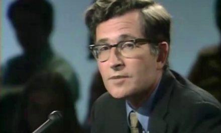 A younger Noam Chomsky defends Daniel Ellsberg
